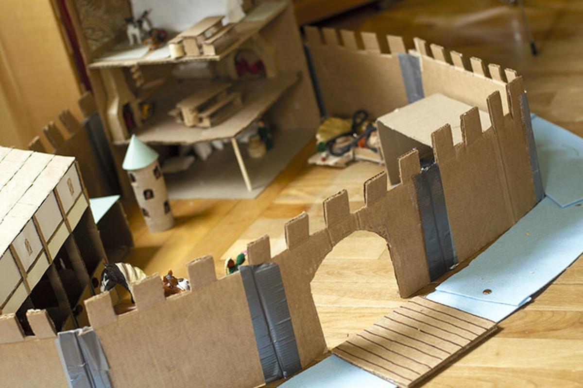 Замок из картона сделать своими руками 3