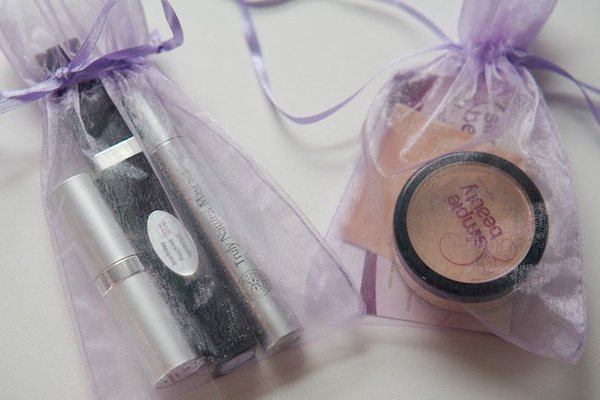 Simple Beauty Minerals: A Mother/Daughter makeup review