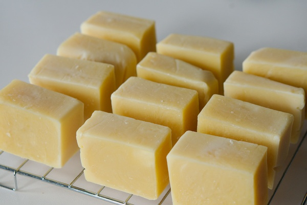 Learn to make soap (and nurture home, hearth and heart this winter)