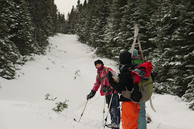 kids on ski trail