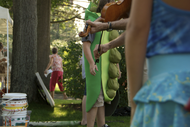 fiddles and human pea pods: just all part of scene at local food week