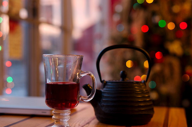 tea pot and Christmas tree